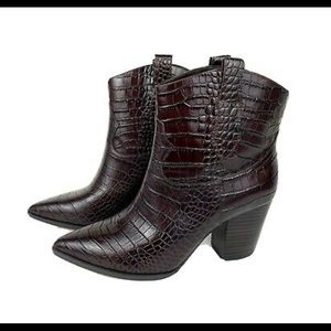 Gibson Latimer Shoes - Brand NWT Gibson Latimer Boots